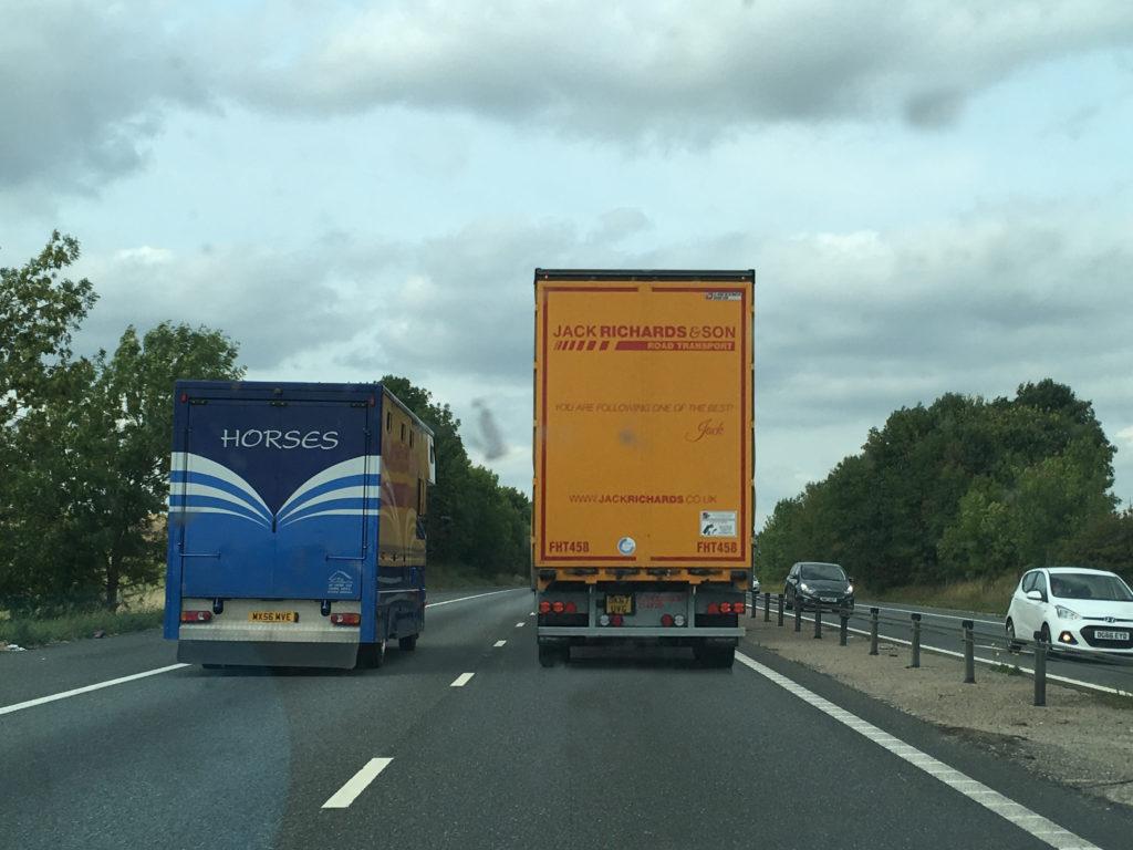 En Inglaterra los camiones puedes ser más alto de lo normal